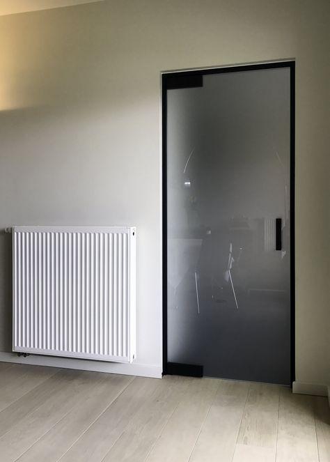 Врата в алуминиева рамка