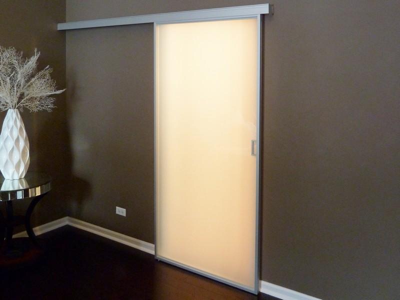 Плъзгаща стъклена врата - мат