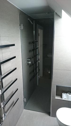 врата на душ кабина